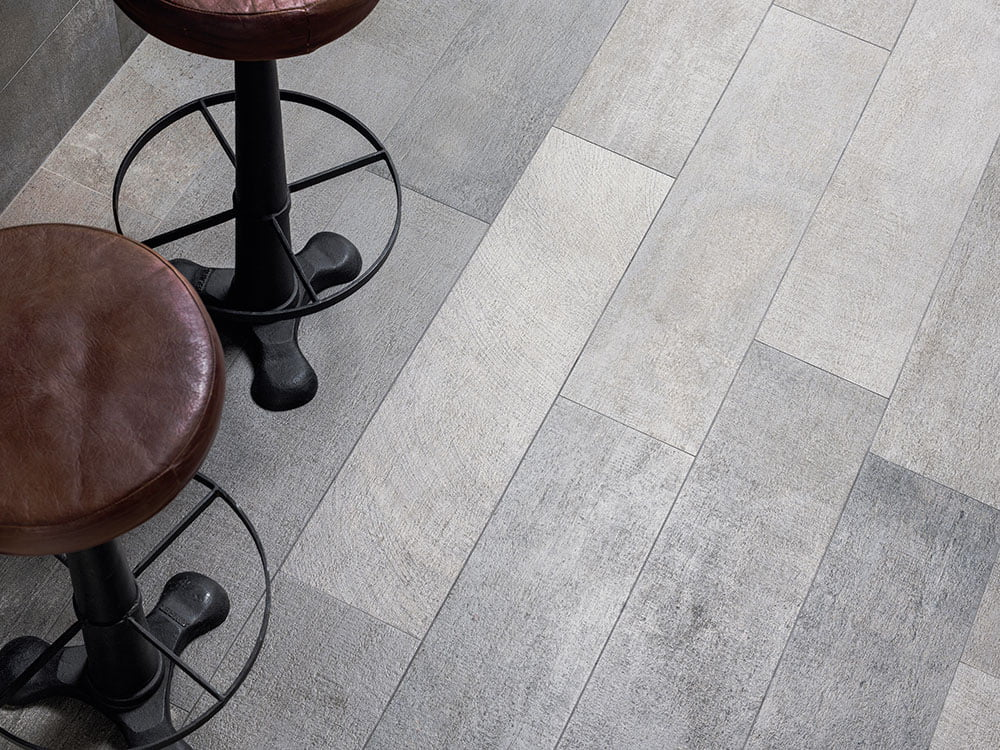 Porcelanosa Timber cover Steel 22cmx90cm LEADING PORCELANOSA SUPPLIERS 1