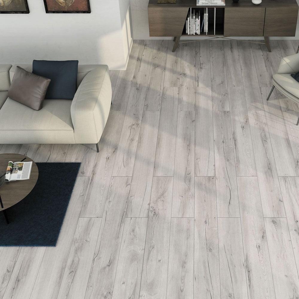 Mumble Grey Wood Effect Skirt Tile – 45cm x 7