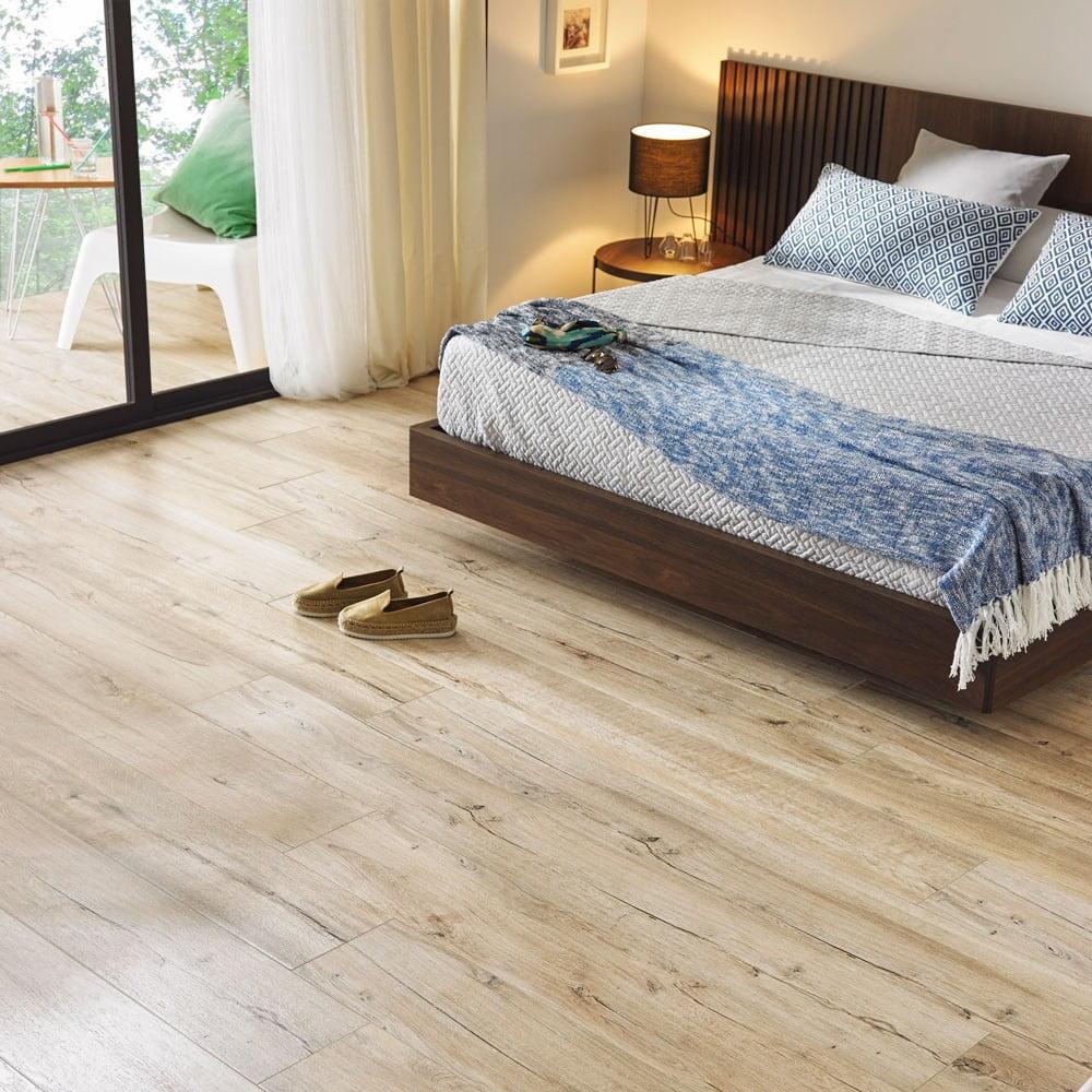 Mumble Natural Oak Wood Effect Tile - 122cm x 20cm | Stoke ...